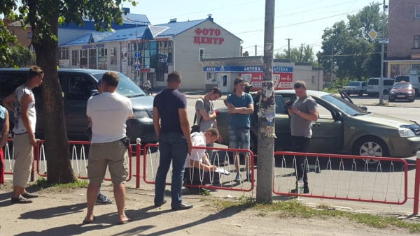 В центре Бердичева СБУ и прокуратура задержали сотрудника исправительной колонии. ВИДЕО
